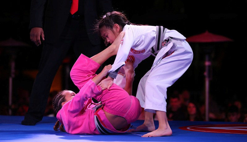 girls jiu jitsu classes in bloomington